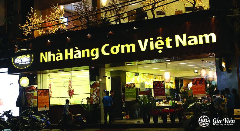 Nha hang com Viet Nam gia vien