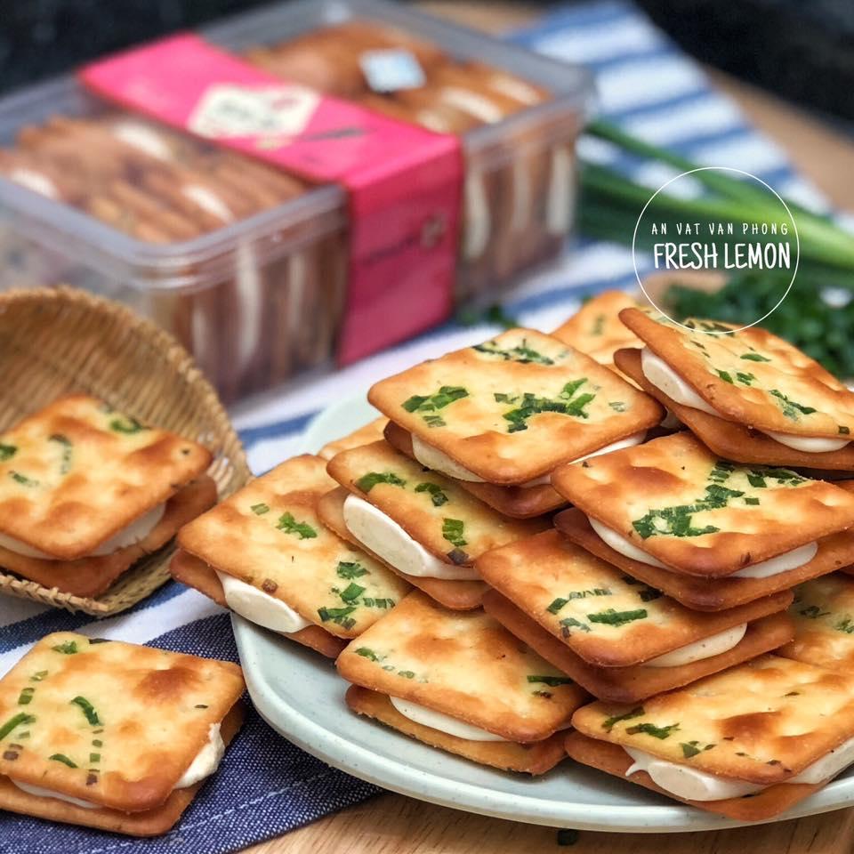 Bánh hành Chiate Đài Loan - Giá 295k/ hộp (Nguồn: Facebook Fresh Lemon - Ăn Vặt Văn Phòng)