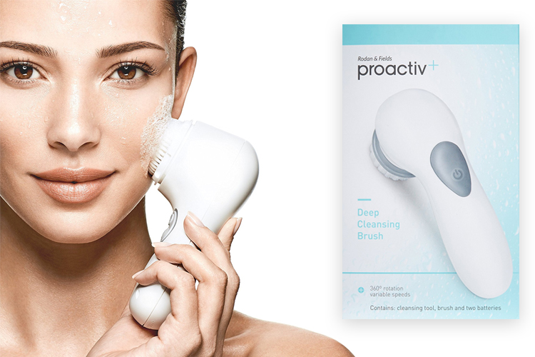 May-rua-mat-Proactiv-Deep-Cleansing-Brush