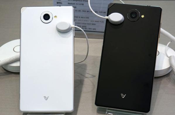 Chiếc điện thoại Pantech Sky Vega Iron 2 A910 rất được giới trẻ yêu thích