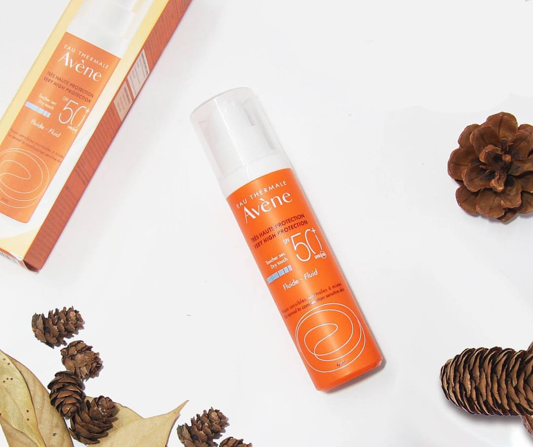 review kem chống nắng avene fluide