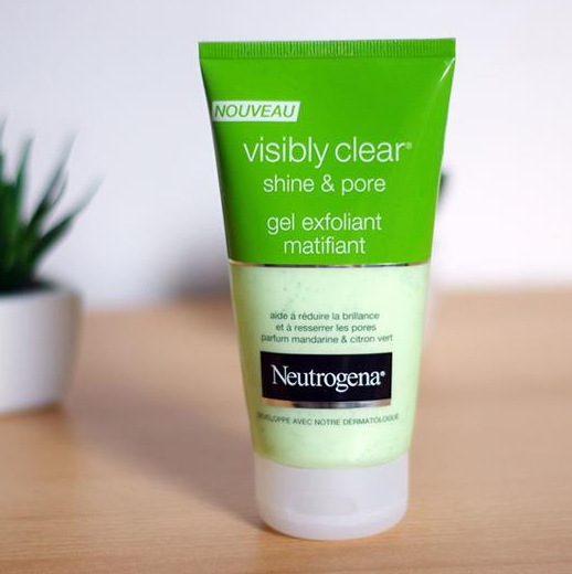 Neutrogena Visibly Clear Shine And Pore Gel Exfoliant Matifiant (mau xanh la)