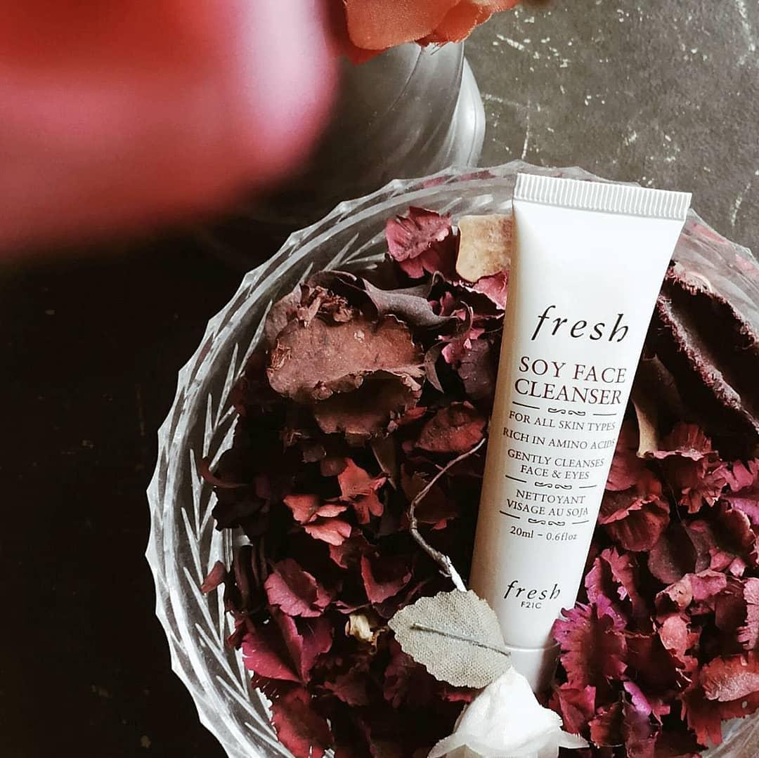 review sữa rửa mặt fresh soy face cleanser về loại da phù hợp