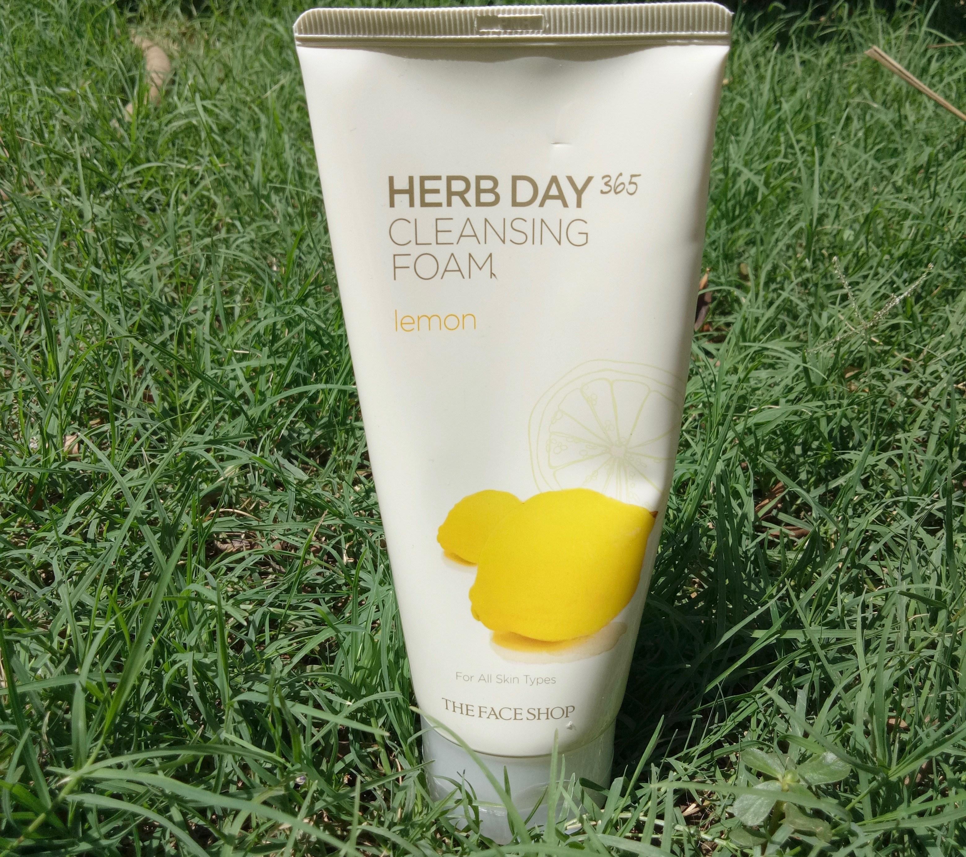 sua rua mat The Face Shop Herb Day 365 Review lam sach da tot