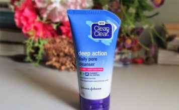 review sữa rửa mặt clean and clear deep action