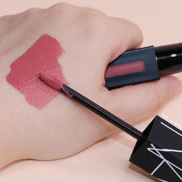 son môi nars powermatte lip pigment về độ lên màu