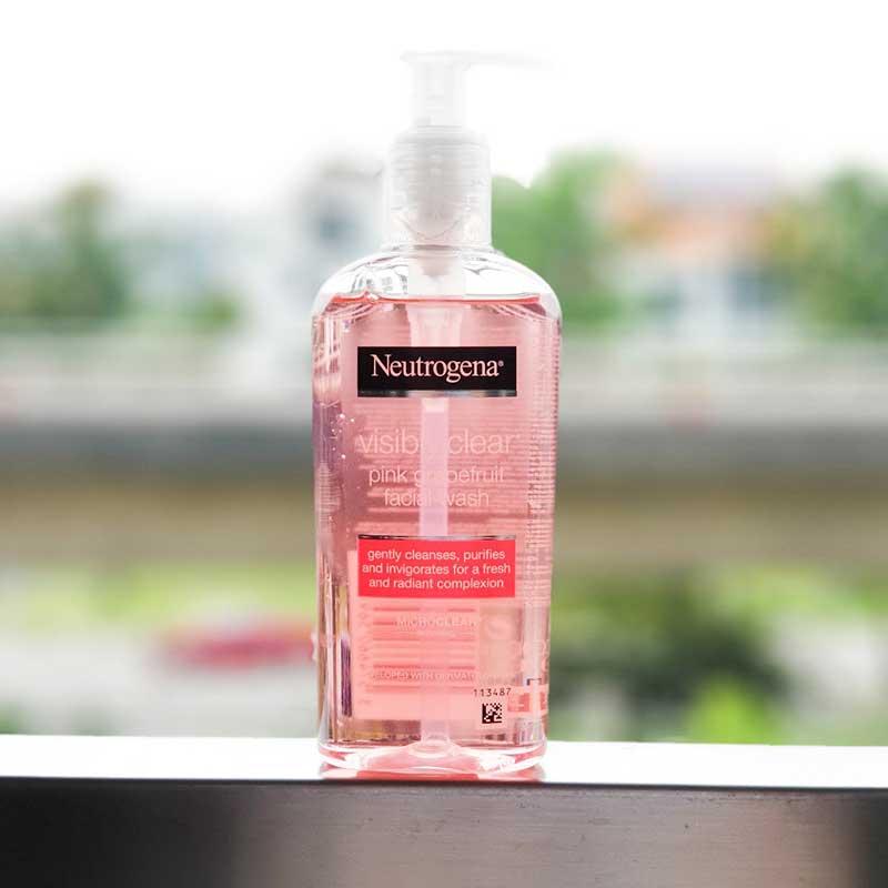 review sữa rửa mặt Neutrogena Pink Grapefruit về cảm nhận khi sử dụng