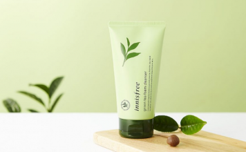 Review sua rua mat Green Tea Foam Cleansing co tot khong